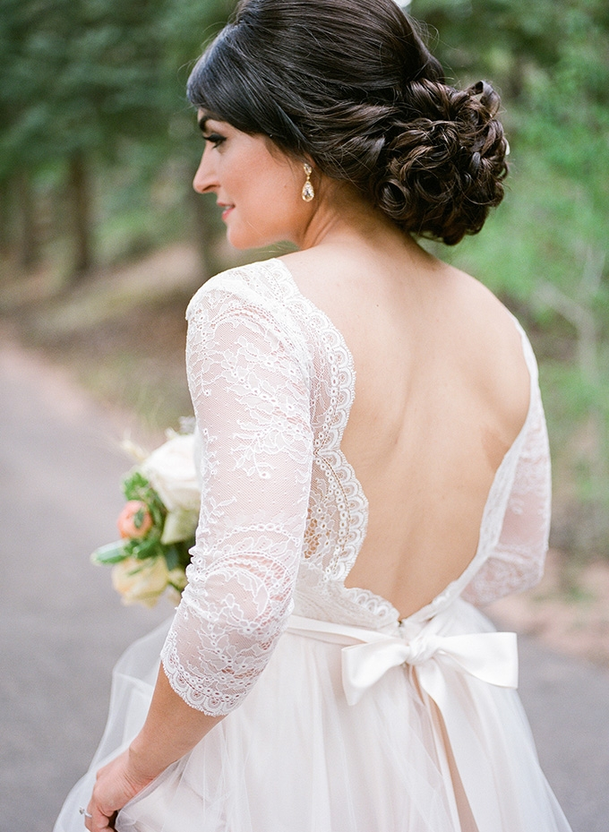 lace gown | Green Blossom Photography | Glamour & Grace