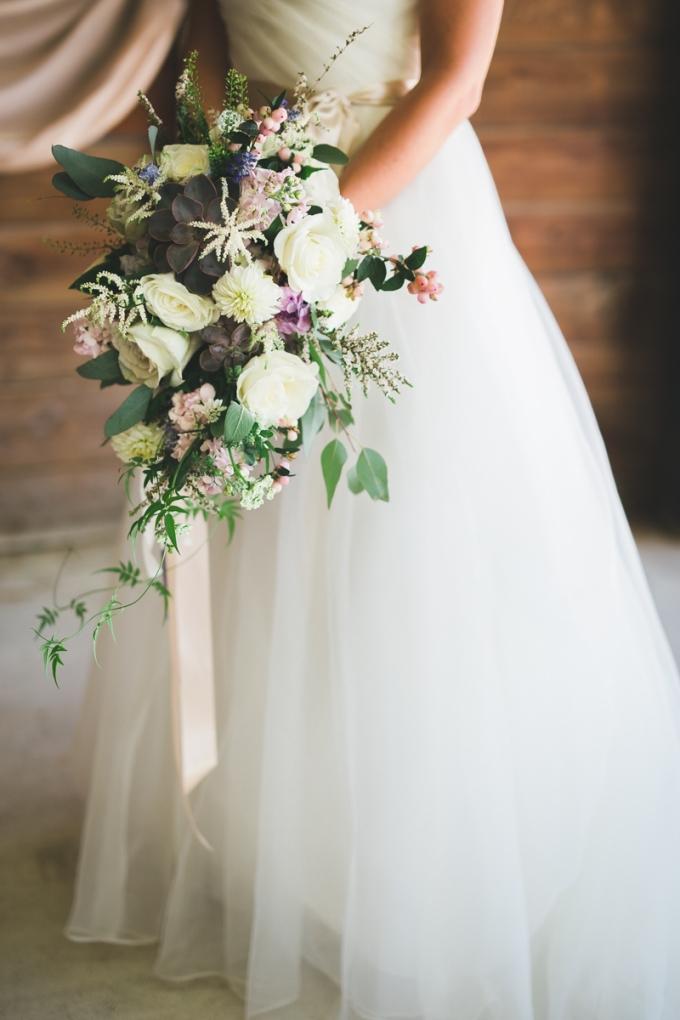 cascading bouquet | Victoria Selman Photographer | Glamour & Grace