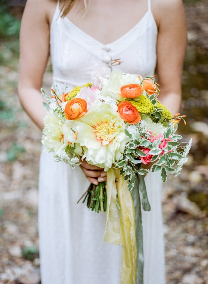 yellow and orange bouquet | Lissa Ryan Photography | Glamour & Grace