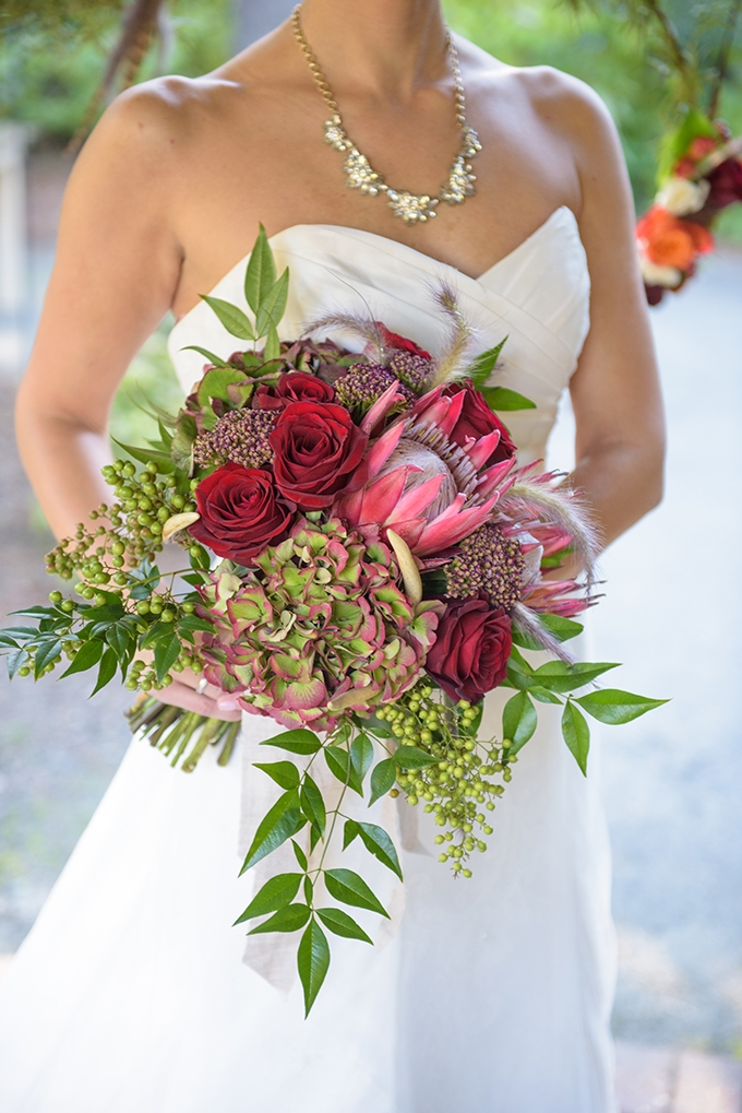 red bouquet | Meredith Ryncarz Photography | Glamour & Grace