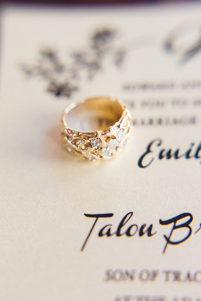 heirloom ring | Magnolia Adam's Photography | Glamour & Grace