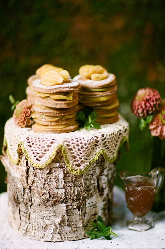 Appalachian stacked apple cakes | White Rabbit Studios | Glamour & Grace