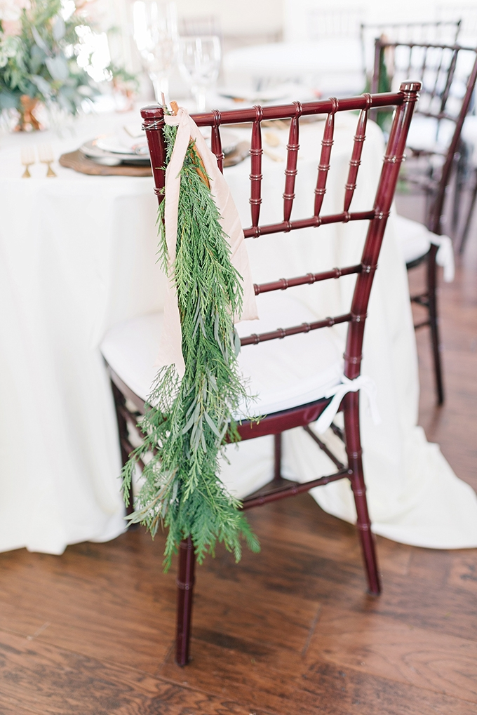 winter greenery | Amanda Adams Photography | Glamour & Grace