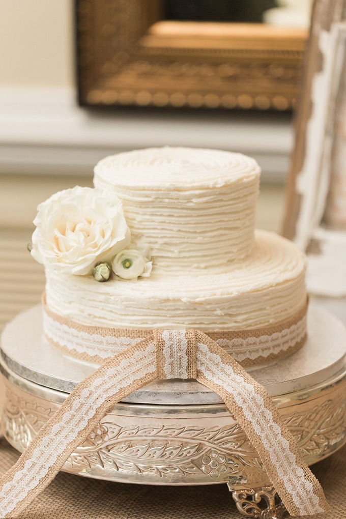 rustic cake | Alicia Lacey Photography | Glamour & Grace