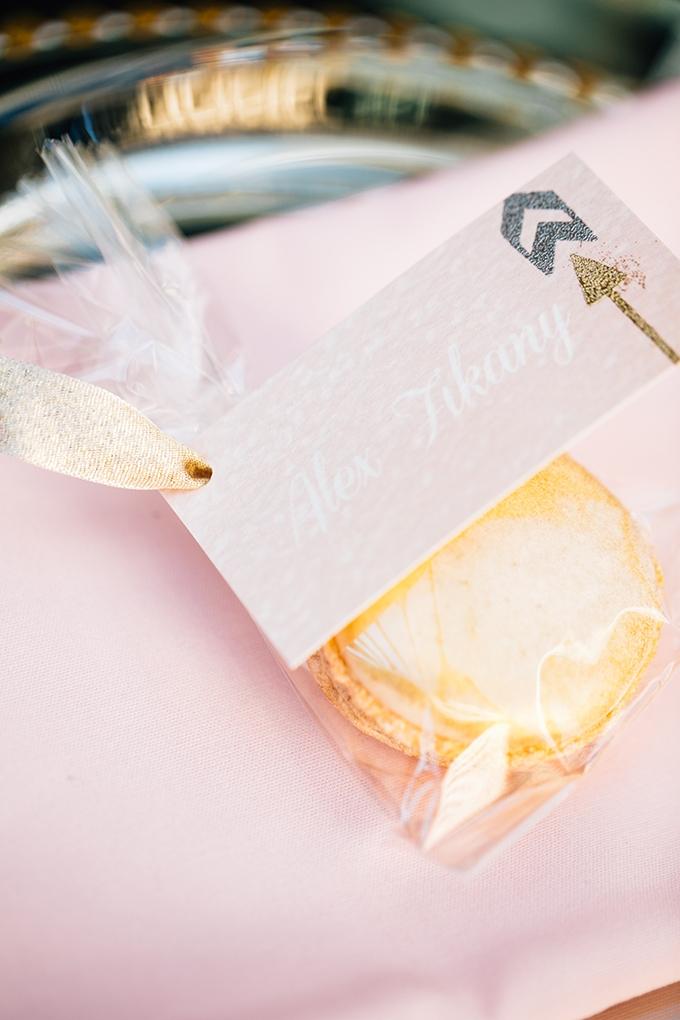 macaron place settings | Lora Grady Photography | Glamour & Grace