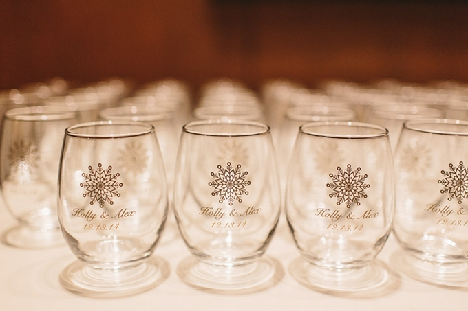 custom wine glass favors | Someplace Wild | Glamour & Grace