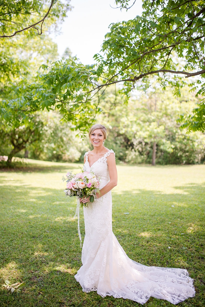 blush spring garden wedding | Eliza Morrill Photography | Glamour & Grace