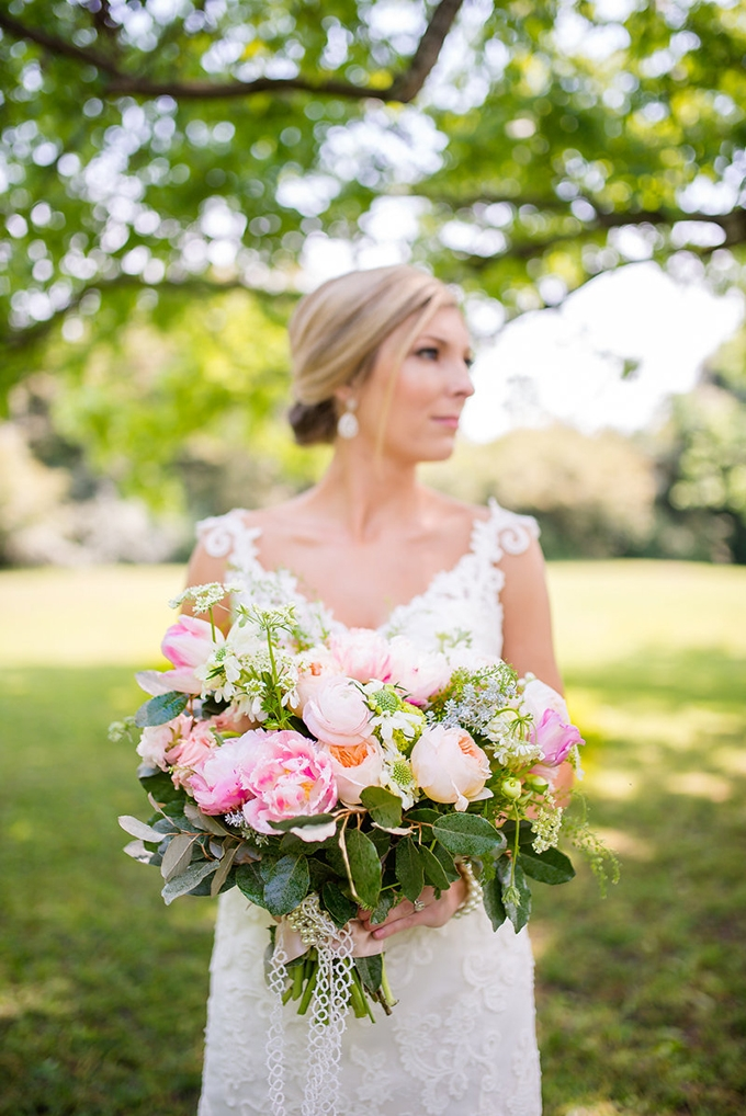 spring pink bouquet | Eliza Morrill Photography | Glamour & Grace
