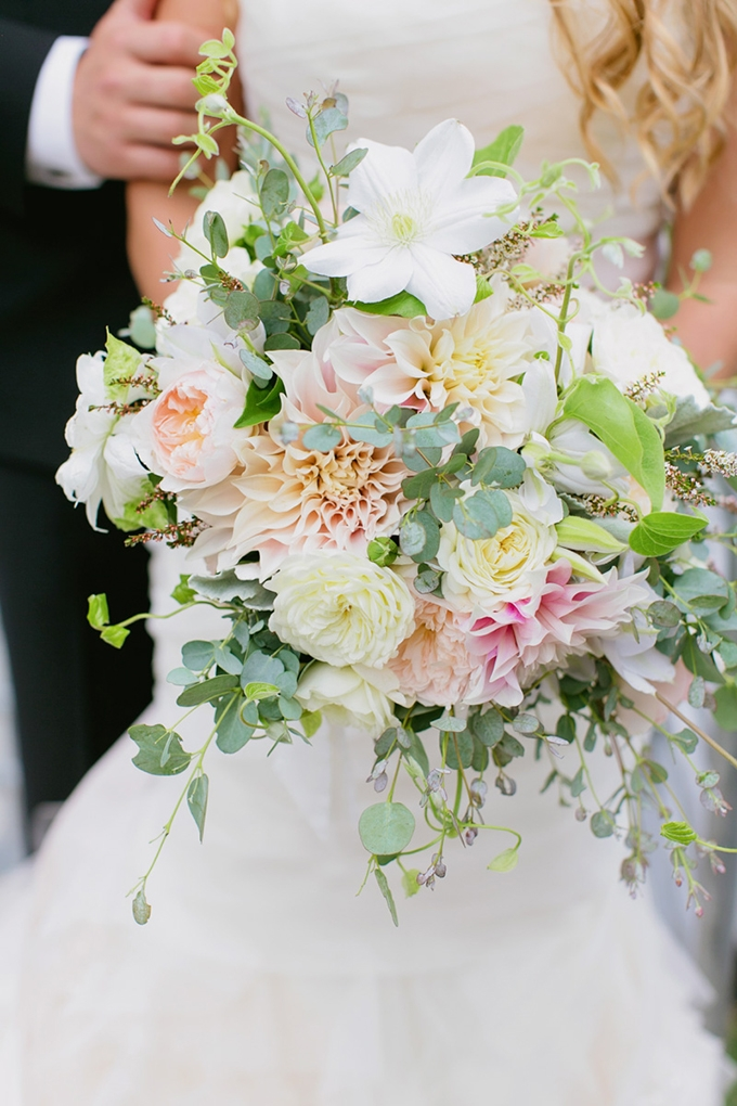 romantic #bouquet | Milou + Olin Photography | Glamour & Grace