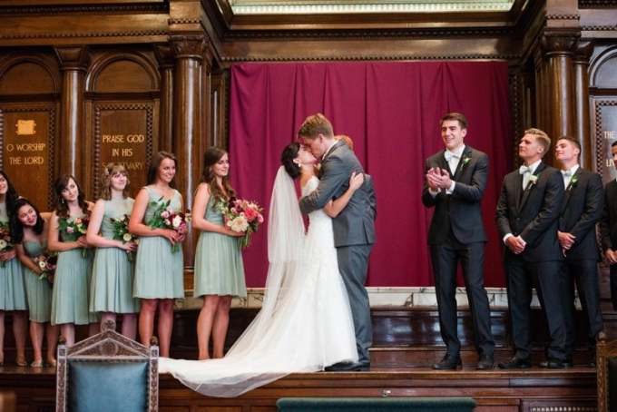 colorful Philadelphia wedding | Alison Dunn Photography | Glamour & Grace