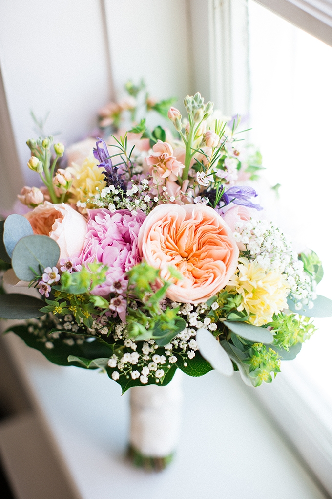colorful spring bouquet | Brianna Wilbur Photography | Glamour & Grace