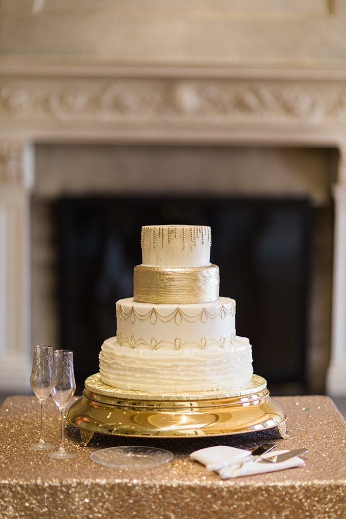gold cake | Cory & Jackie Wedding Photographers | Glamour & Grace