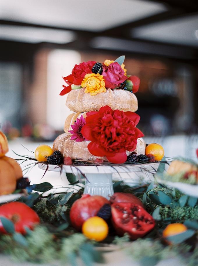 wedding bundt cake | Sheradee Hurst Photography | Glamour & Grace