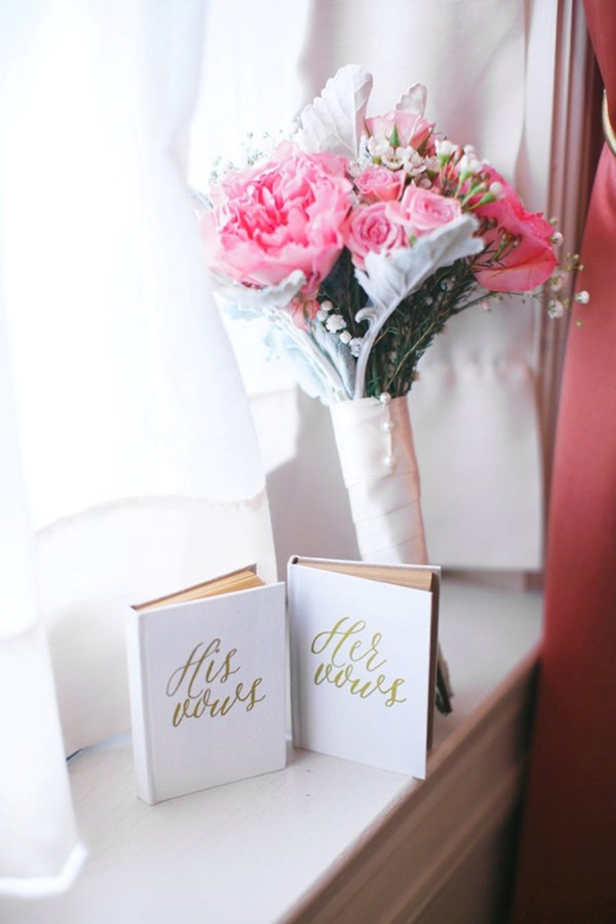 vintage literary wedding | SB Childs Photography | Glamour & Grace