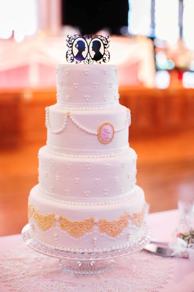 vintage wedding cake | SB Childs Photography | Glamour & Grace
