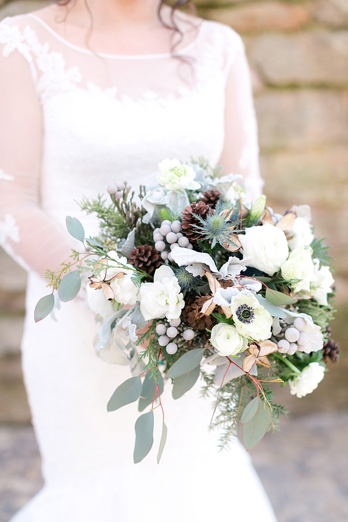 winter bouquet | Karen Allen Photography | Glamour & Grace
