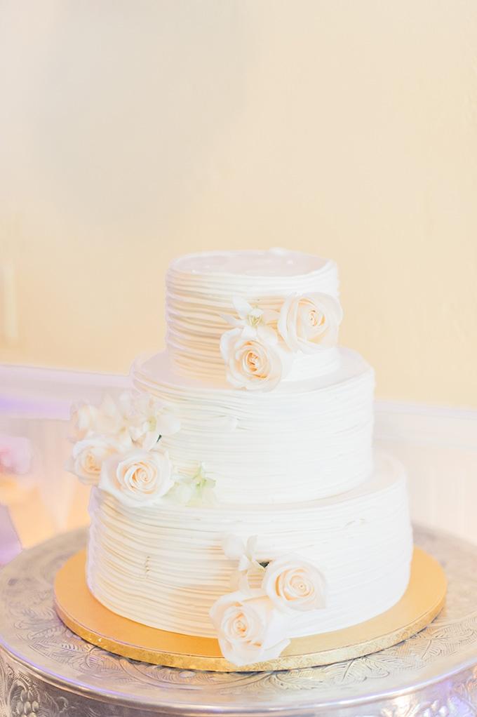 white cake | Jessica Bordner Photography | Glamour & Grace