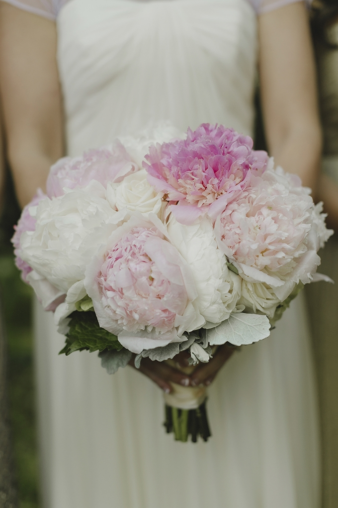 peony bouquet | Heather Elizabeth Photography | Glamour & Grace