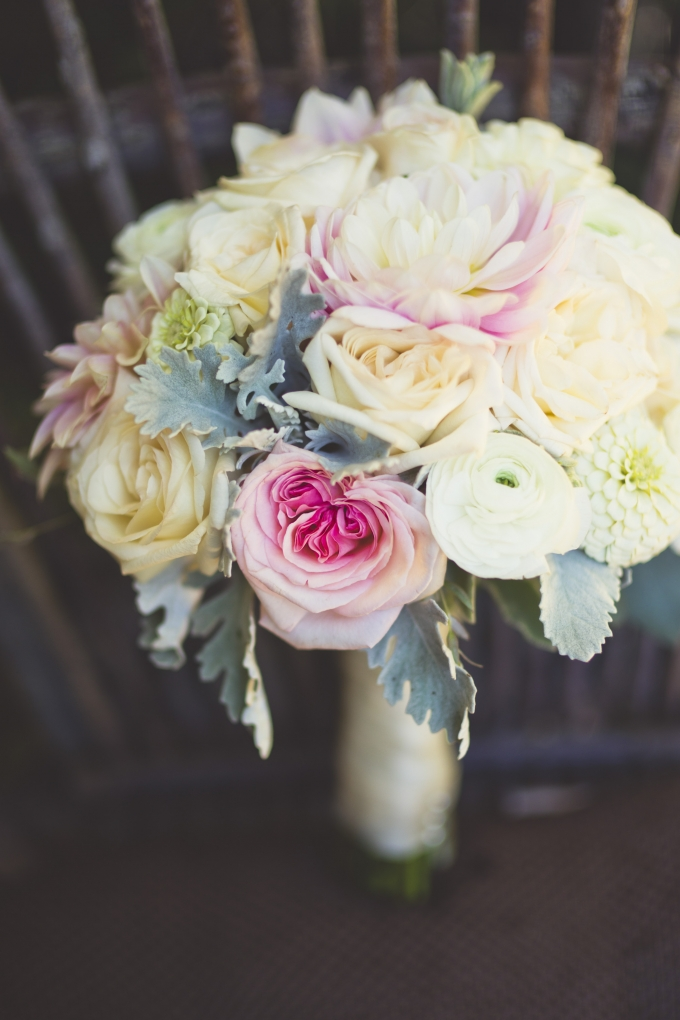 pink and white bouquet | Sarah Kathleen | Glamour & Grace