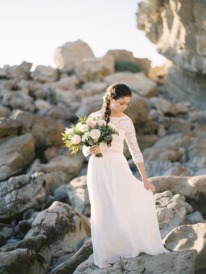 romantic coastal bridal portraits | Mallory Dawn | Glamour & Grace