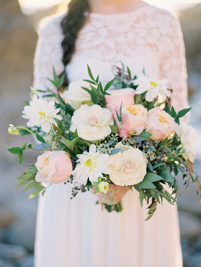romantic bouquet | Mallory Dawn | Glamour & Grace