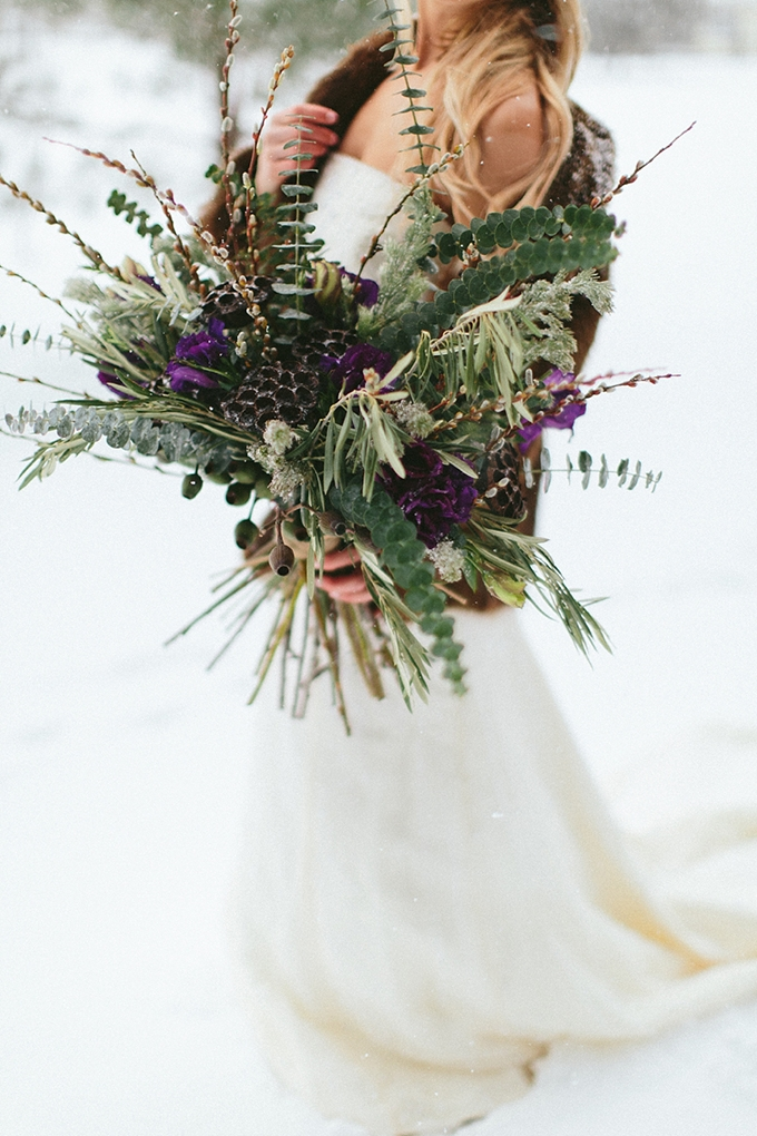 winter bouquet | Nicki Metcalf Photography | Glamour & Grace