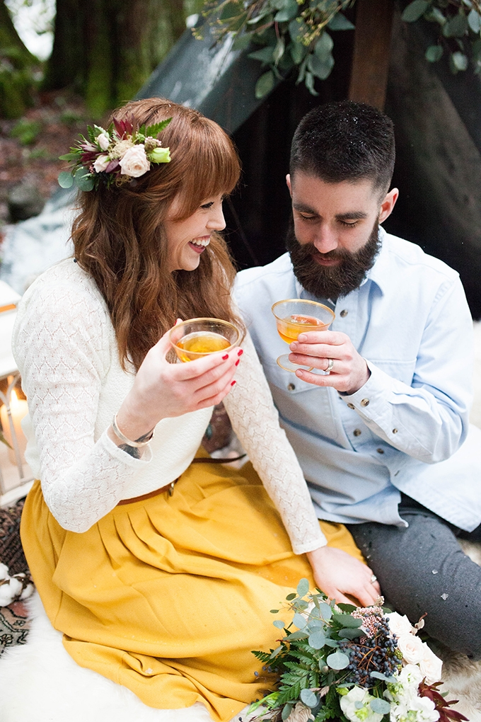 mountain cabin anniversary session | Karra Leigh Photography | Glamour & Grace