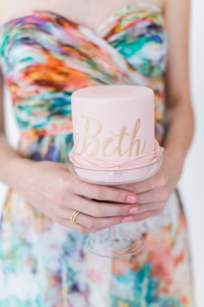 mini cake | Alexis June Weddings | Glamour & Grace