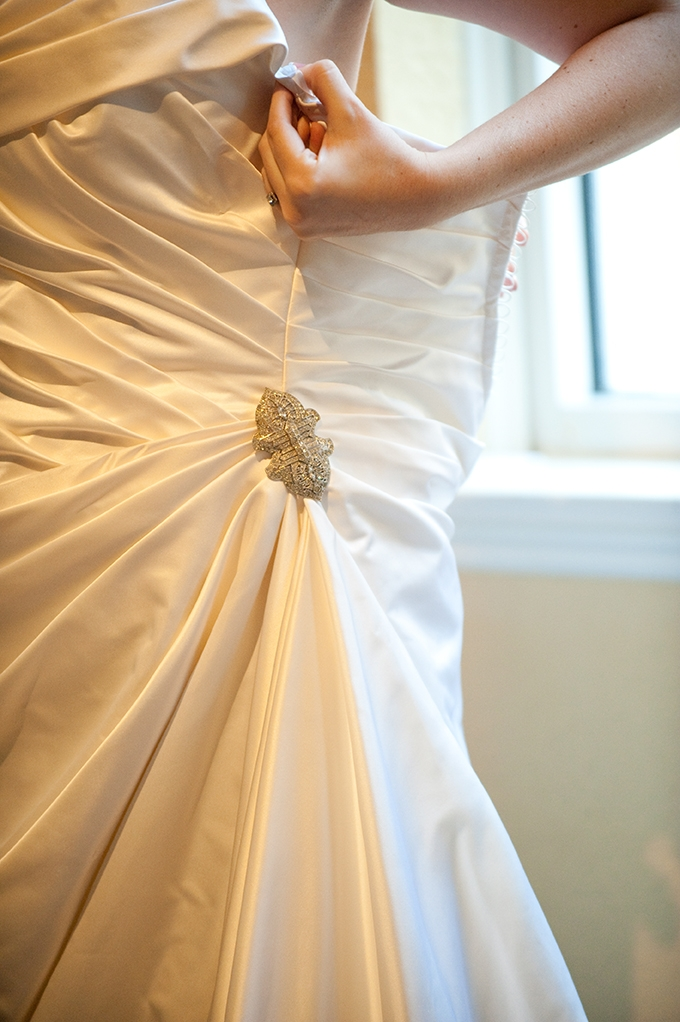 getting ready to walk down the aisle | Tina Sargeant | Glamour & Grace