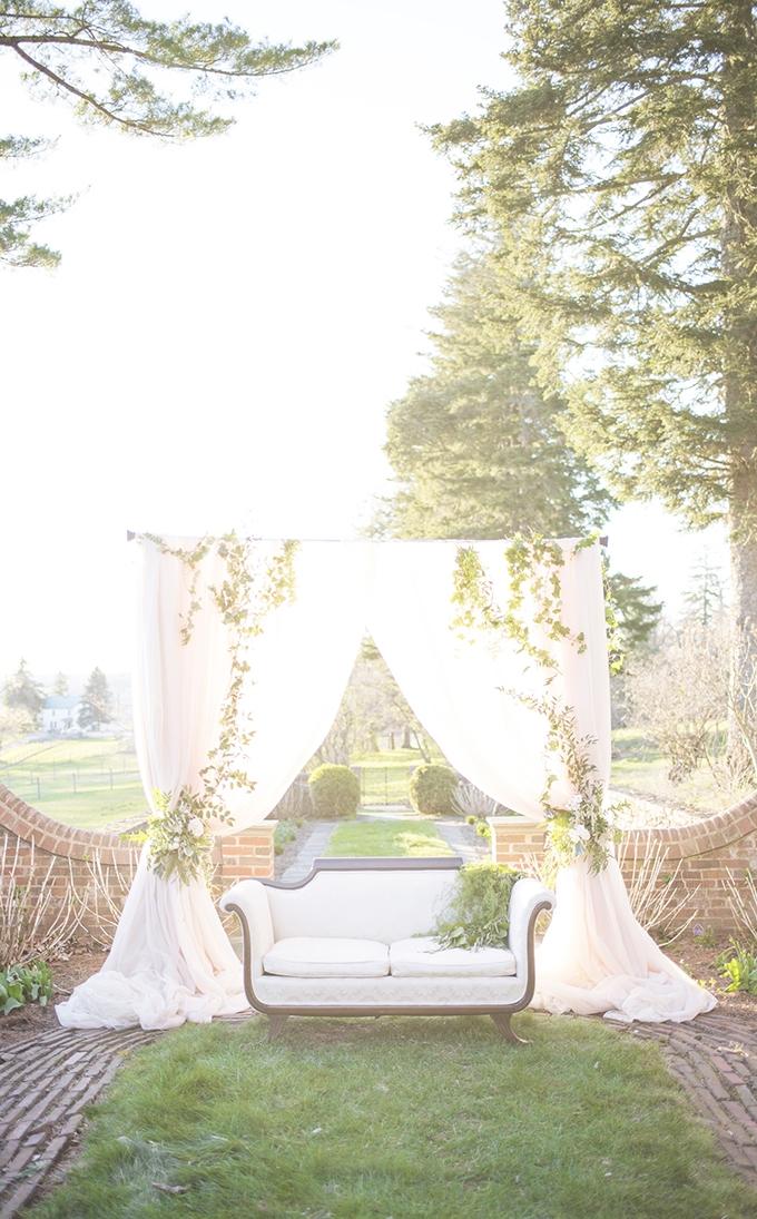 romantic neutral garden wedding inspiration | Elizabeth Moore Photography | Glamour & Grace