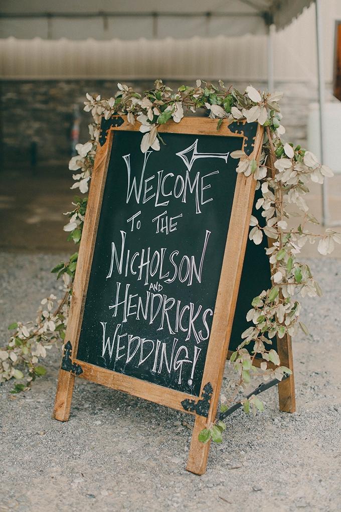 romantic rainy day wedding | j.woodbery photography | Glamour & Grace