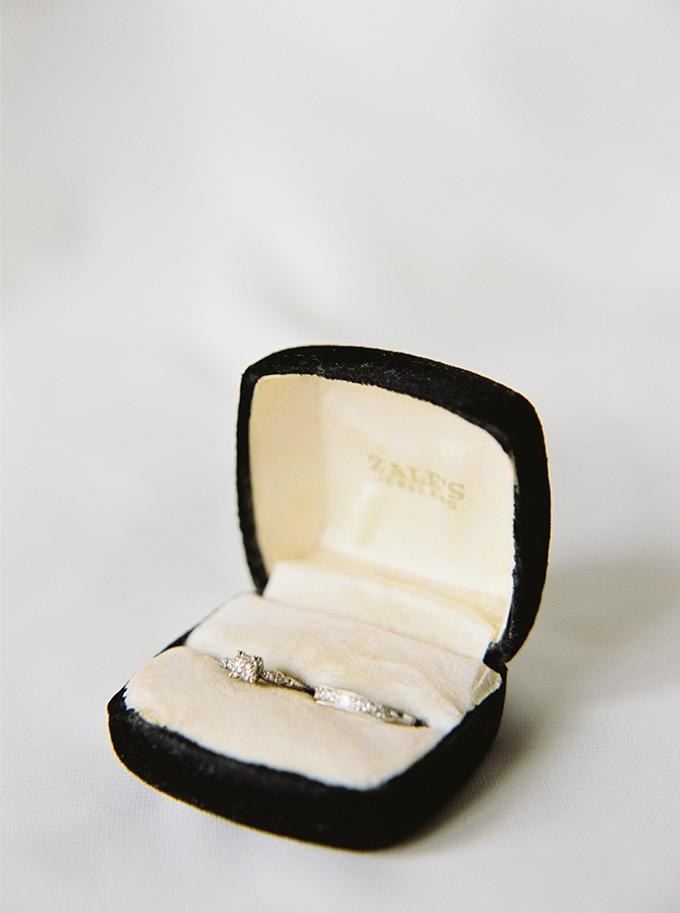 vintage wedding ring | JoPhoto | Glamour & Grace
