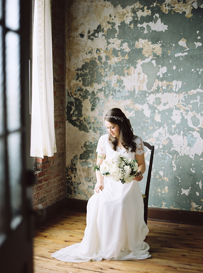 urban heirloom wedding | JoPhoto | Glamour & Grace