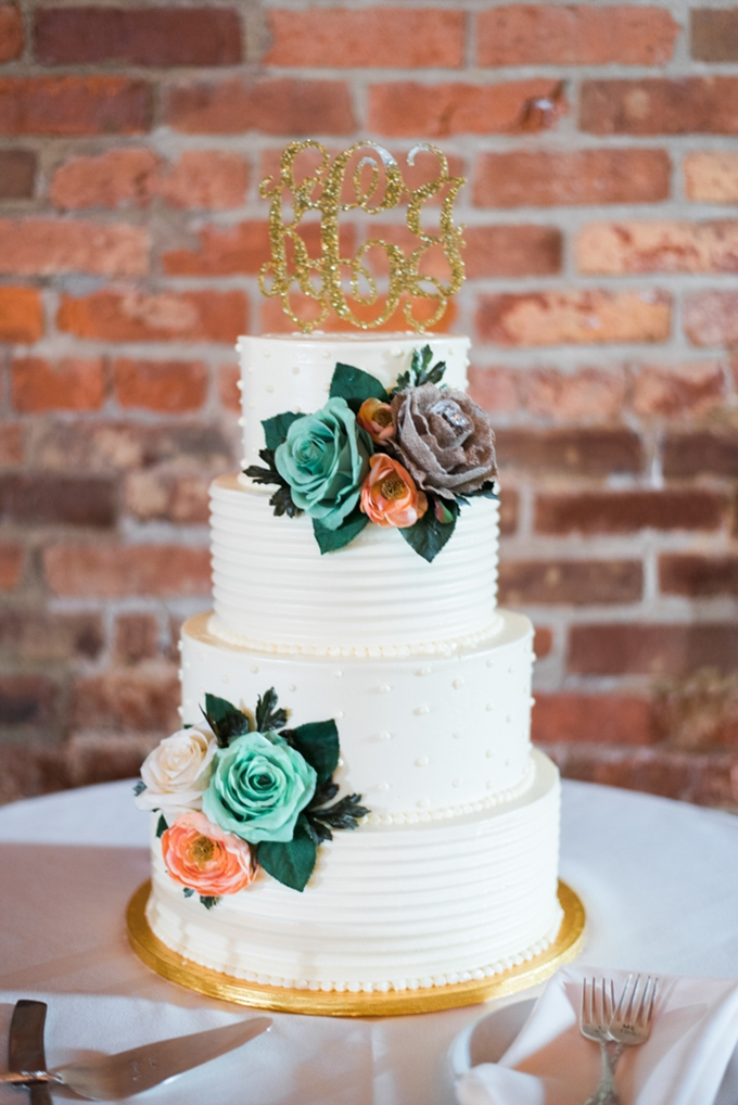 white wedding cake | Henry Photography | Glamour & Grace