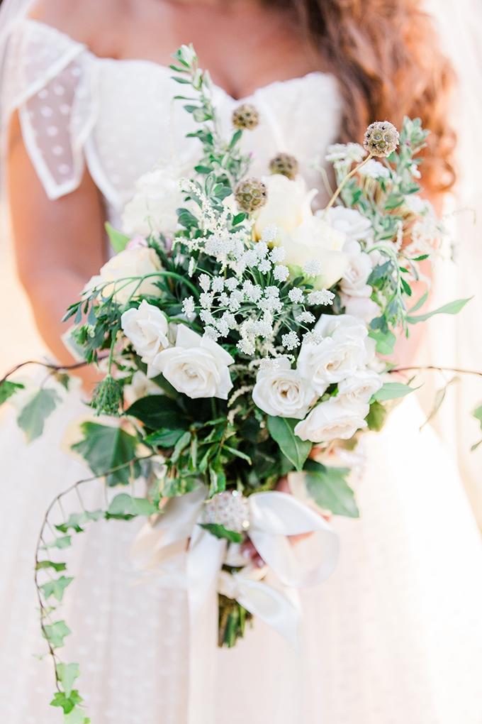 wild white bouquet | Dan & Erin PhotoCinema | Glamour & Grace
