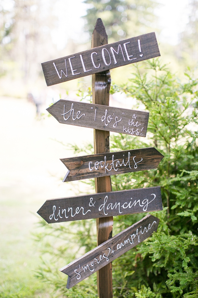 wedding signs   Anna Marks Photography   Glamour & Grace
