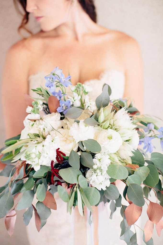 blue and copper bouquet | Ais Portraits | Glamour & Grace