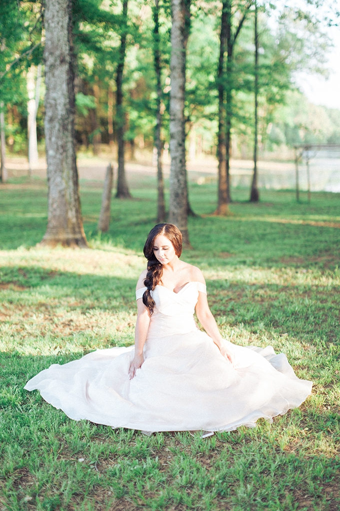 woodland bridal portraits | Photography by Micahla Wilson | Glamour & Grace