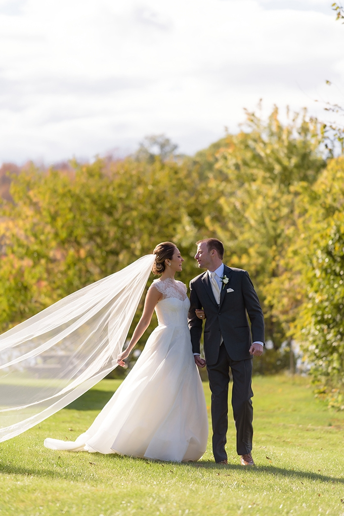 fall wedding with 120-year-old wedding dress | Susan Stripling Photography | Glamour & Grace