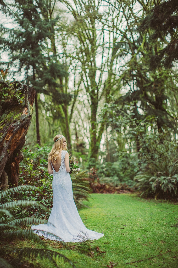 woodland fall bridal session   Picture Marvelous   Glamour & Grace