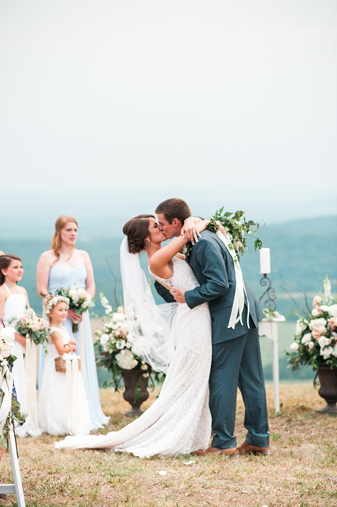 elegant cliffside Southern wedding | Cotton & Clover Photography | Glamour & Grace-28