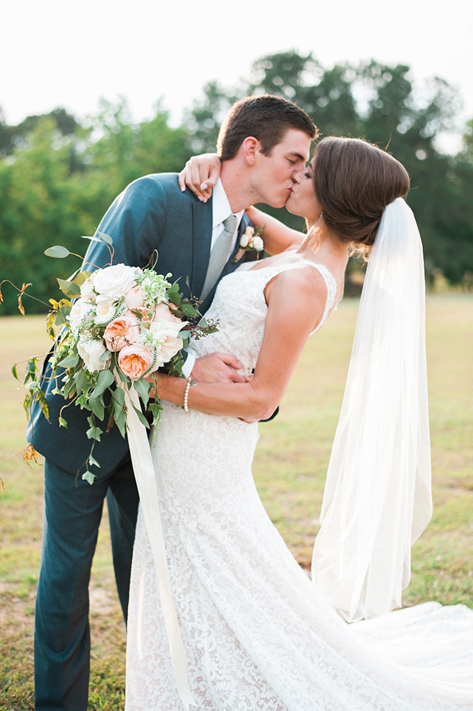 elegant cliffside Southern wedding | Cotton & Clover Photography | Glamour & Grace-31
