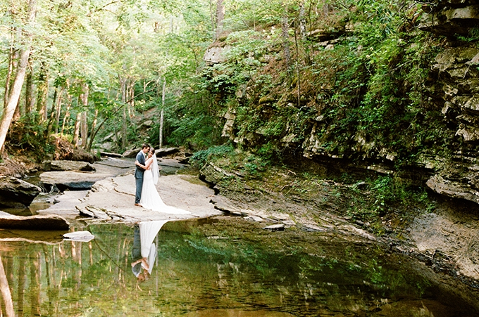 elegant cliffside Southern wedding | Cotton & Clover Photography | Glamour & Grace-33