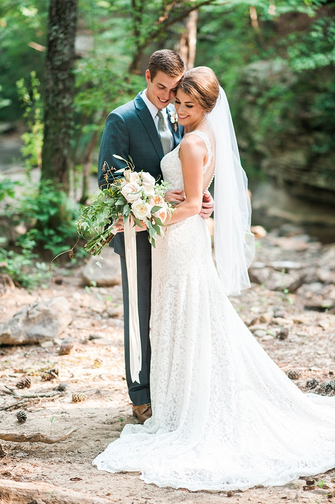 elegant cliffside Southern wedding | Cotton & Clover Photography | Glamour & Grace-34