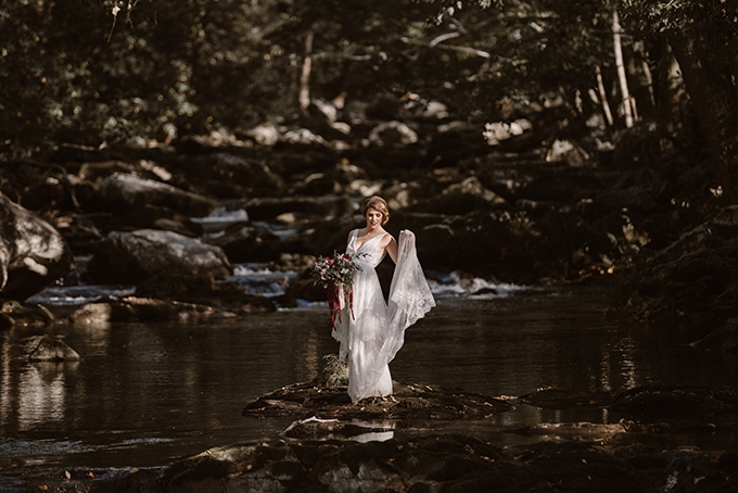 vintage fall bridal portraits | Erin Morrison Photography | Glamour & Grace