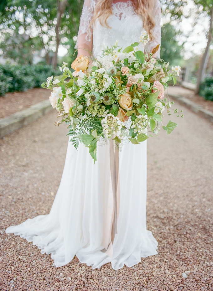 green and gold bouquet | Lotus Blossom Photography | Glamour & Grace