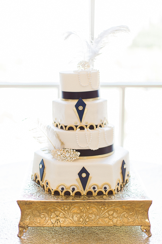 art deco wedding cake | Fleckography Co. | Glamour & Grace