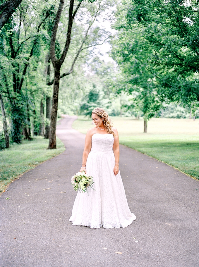 Diy blush barn wedding glamour grace for Cheap wedding dresses in knoxville tn