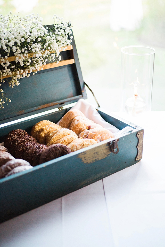 wedding donuts | Julie K. Gray Photography | Glamour & Grace