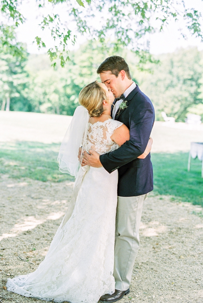 summer barn wedding | Eric M Schwanke Photography | Glamour & Grace